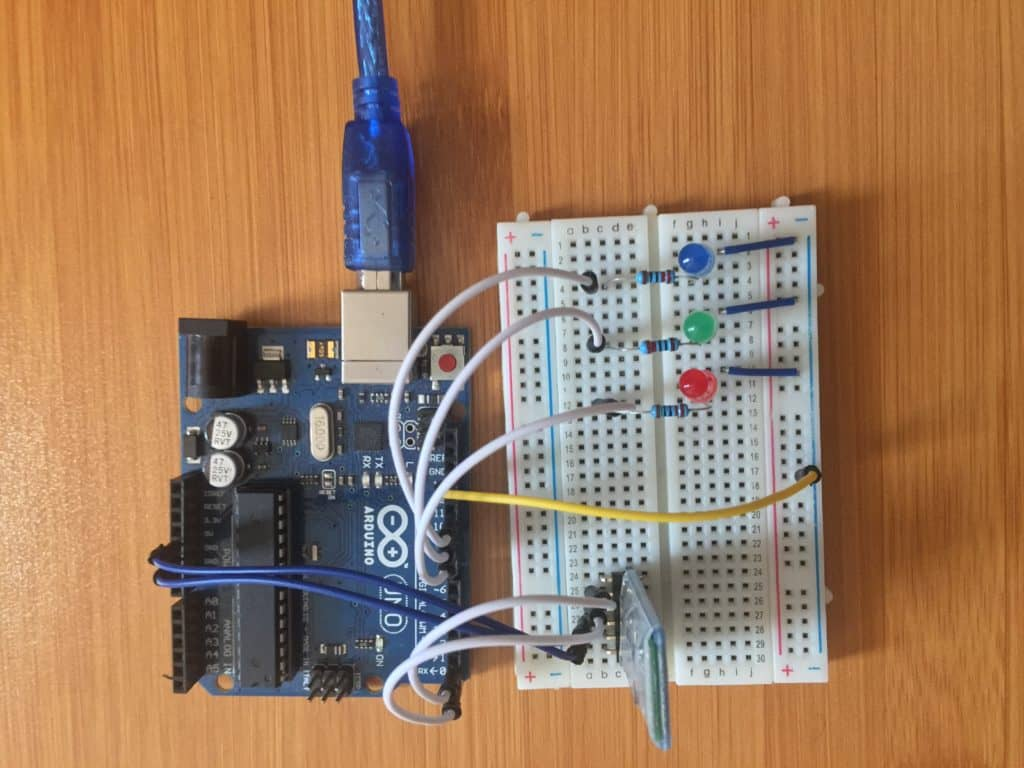 Connecting HC-05 Bluetooth module and LEDs to Arduino