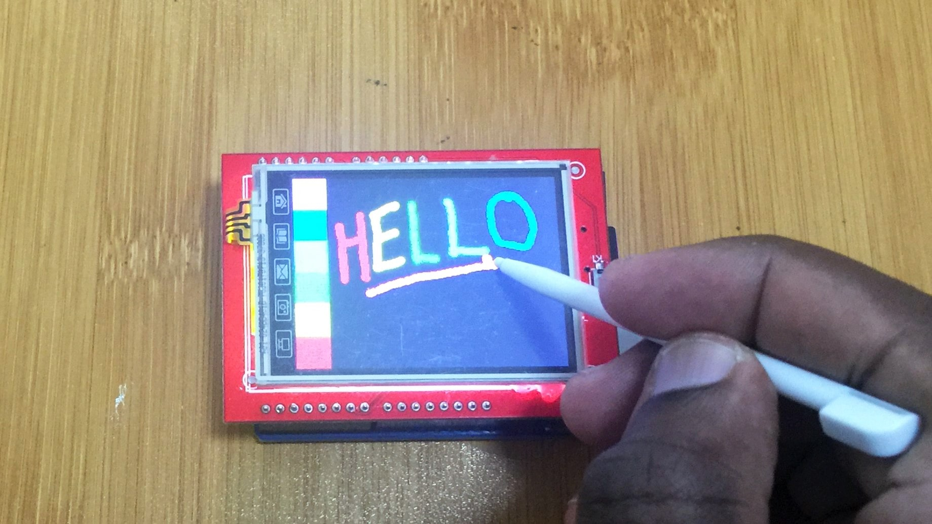 How to use the 2.4″ TFT LCD Touch screen shield for Arduino.